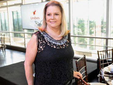 """Presidente da Unibes, Denise Zaclis Antão, recebe para almoço em prol do projeto """"Adote um Futuro"""""""