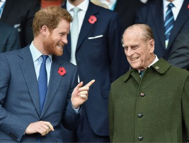 Palácio de Buckingham manda avisar: Philip, avô de Harry, confirma presença no casamento real