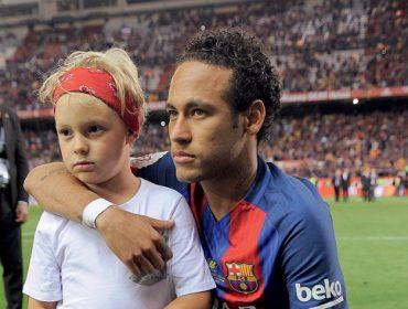 Davi Lucca é sucesso! J.P ficou sabendo do burburinho na escola do filho de Neymar