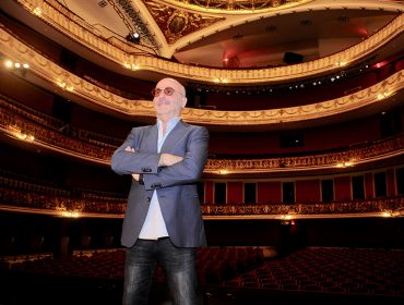 La Traviata tem noite de estreia para convidados em São Paulo