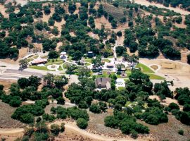 Neverland, o famoso rancho de US$ 100 milhões de Michael Jackson, está abandonado