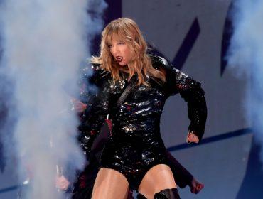 Depois de fazer as pazes com Katy Perry, Taylor Swift estreia turnê com bilheteria em baixa