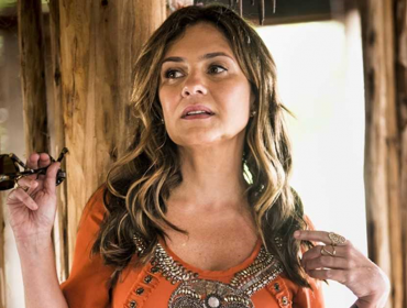 """Adriana Esteves: """"Não posso trabalhar com medo e não me contento com pouco"""""""