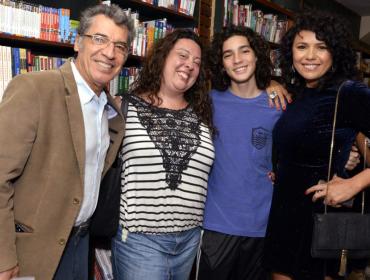 Paulo Betti coloca filhos com Maria Ribeiro e Eliane Giardini em reality show