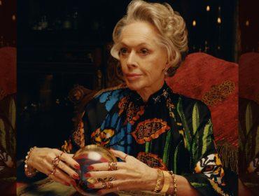 Musa de Hitchcook estrela, aos 88 anos, campanha de joias de maison francesa… Vem saber!