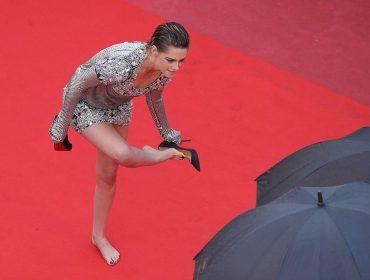 Quais motivos levaram Kristen Stewart a descer do salto no tapete vermelho de Cannes?