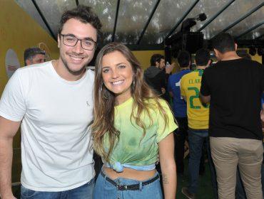 A diversão da turma que acompanhou o jogo do Brasil na Arena Placar UOL