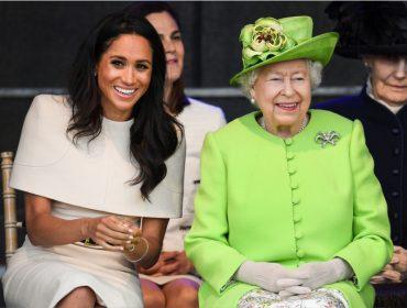 Rainha presenteou Meghan Markle com brincos de pérola e diamantes de sua coleção pessoal