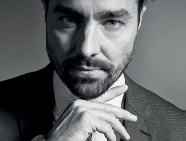 """Destaque em """"Deus Salve o Rei"""", Ricardo Pereira entrega à PODER: """"O Virgílio se destaca do elenco pela estética"""""""