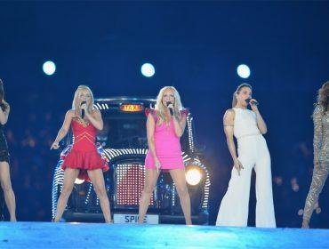 """Mel B desmente Victoria Beckham e confirma que as """"Spice Girls"""" ensaiam retorno aos palcos"""