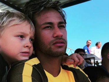 Em clima de Copa, Neymar mostra versão divertida do hino nacional cantada pelo filho David Lucca