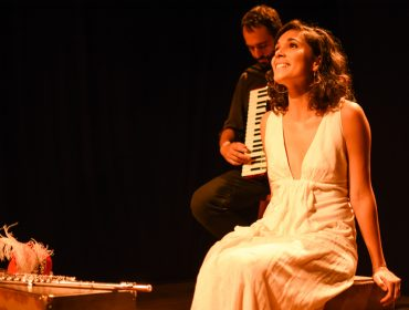"""Atriz francesa Claire Nativel chega a São Paulo com musical """"Brasil Mon Amour"""""""