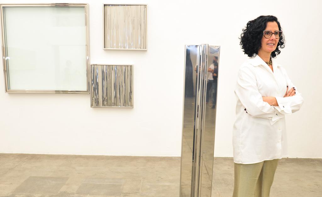 """Galeria Vermelho abriu exposição """"Rotações Infinitas"""" de Ana Maria Tavares"""