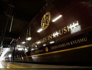 Trem mais luxuoso do mundo circula no Japão e tem passagens a partir de R$ 45,2 mil