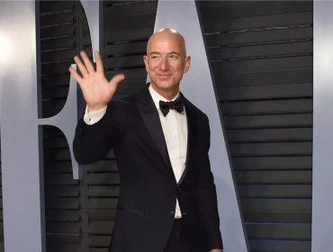 Jeff Bezos bate mais um recorde: fundador da Amazon agora é o homem mais rico da era moderna