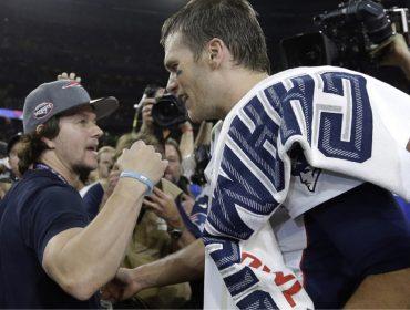 Fã de carteirinha de Tom Brady, Mark Wahlberg aposta que o jogador vai ganhar o próximo Super Bowl