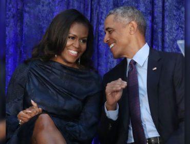 """Aos gritos de """"Por favor, voltem!"""", Michelle e Barack Obama roubam a cena em show de Beyoncé e Jay Z. Play!"""