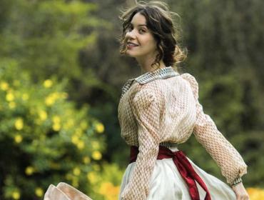 Pra onde Nathalia Dill vai depois de Elisabeta? Teatro, cinema e por que não soltar a voz? Vem saber