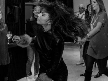 Mariana Rios vira centro das atenções em festa de brasileiros em hotel de Ushuaia