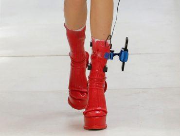 O acessório de passarela que a turma da moda não está sabendo como lidar!