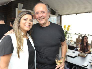David Bastos abriu seu apê nos Jardins para almoço entre amigos