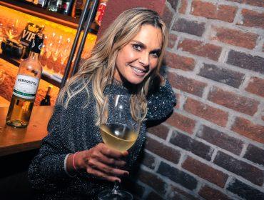 Fernanda Barbosa recebeu convidados para comemorar aniversário no Pinocchio