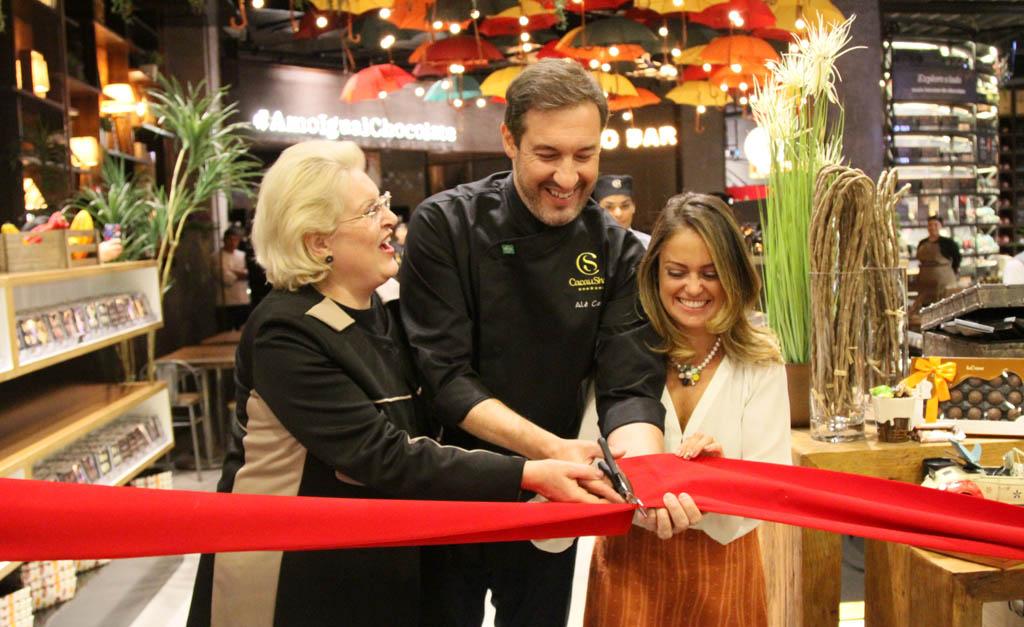 eb3f42c282e Cacau Show inaugura a maior loja de shopping da América Latina com ...