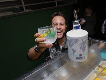 Noite de bate-papo na Casa Glamurama teve drinks mil com a turma do G&T Bar