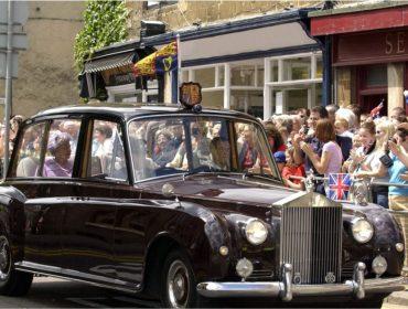 Rolls-Royces raríssimos que já transportaram Elizabeth II e Lady Di vão a leilão no Reino Unido