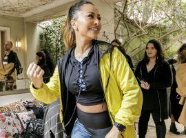 Sabrina Sato e seu barrigão entraram no mood zen em evento armado por marca fitness