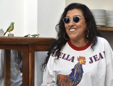 """Regina Casé volta ao teatro depois de 25 anos com o monólogo """"Recital da Onça na Barroquinha"""""""
