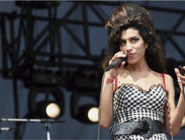 5 motivos que provam que Amy Winehouse foi um gênio da música no dia em que a cantora faria 36 anos