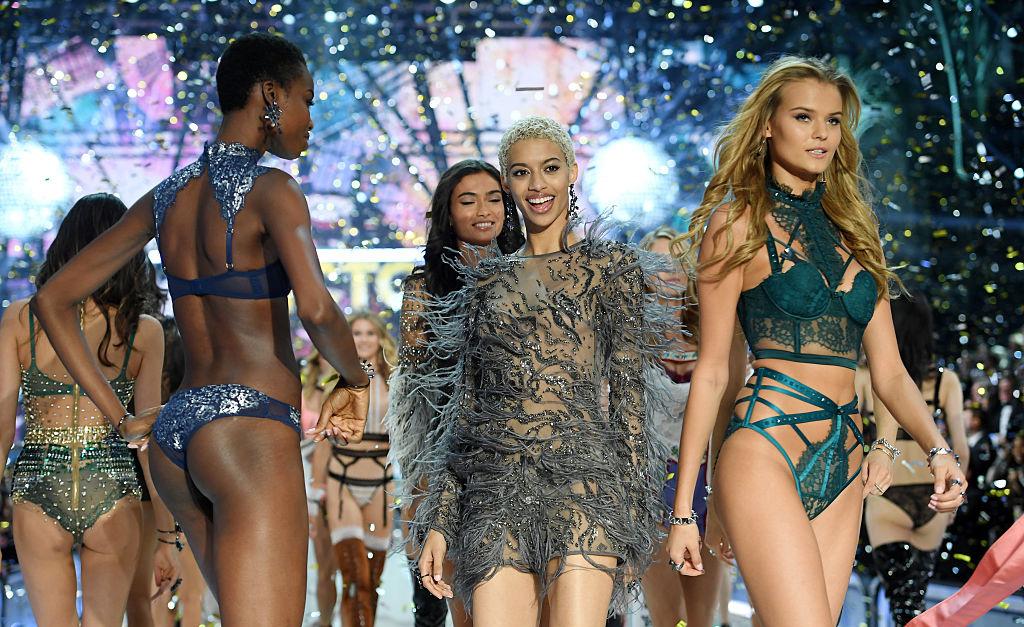 3384d3aa9 Modelos plus size no casting do desfile da Victoria s Secret  Não ...