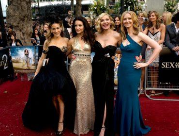 """Kristin Davis ignora Kim Cattrall em throwback para homenagear suas colegas em """"SATC"""""""