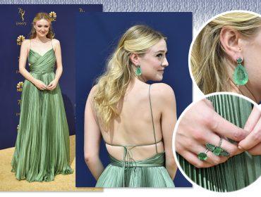 Dakota Fanning brilha no Emmy usando 180 quilates de esmeraldas colombianas