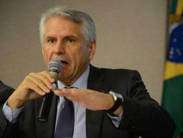 Antônio Claret de Oliveira, presidente da Infraero, é homenageado em jantar chez Nelson Wilians