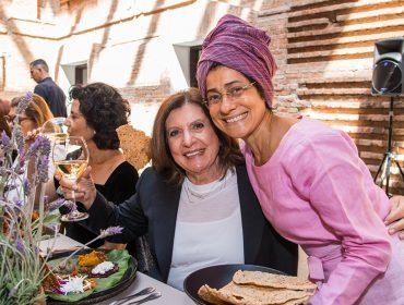 """Glamurettes participam da visita guiada à mostra """"Mulheres Radicais"""" na Pinacoteca"""