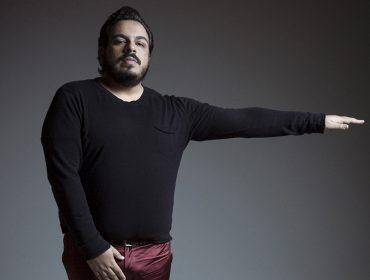 Lobianco brilha como o Clovinho de 'Segundo Sol', fala sobre Bolsonaro, homofobia e Anitta. Ao papo!