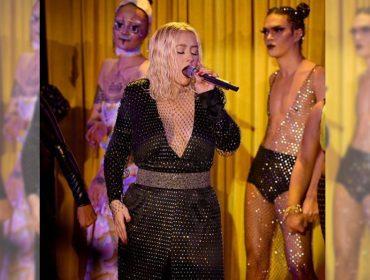 Christina Aguilera faz show surpresa durante a semana de moda de Nova York