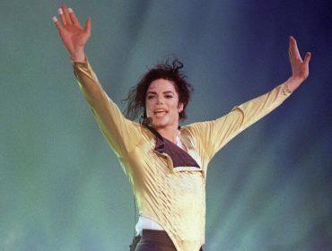 Mesmo morto, Michael Jackson faturou quase R$ 170 mil por hora no último ano