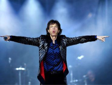 Mick Jagger, 75 anos, roubou a cena em festinha hypada que rolou em Paris no finde