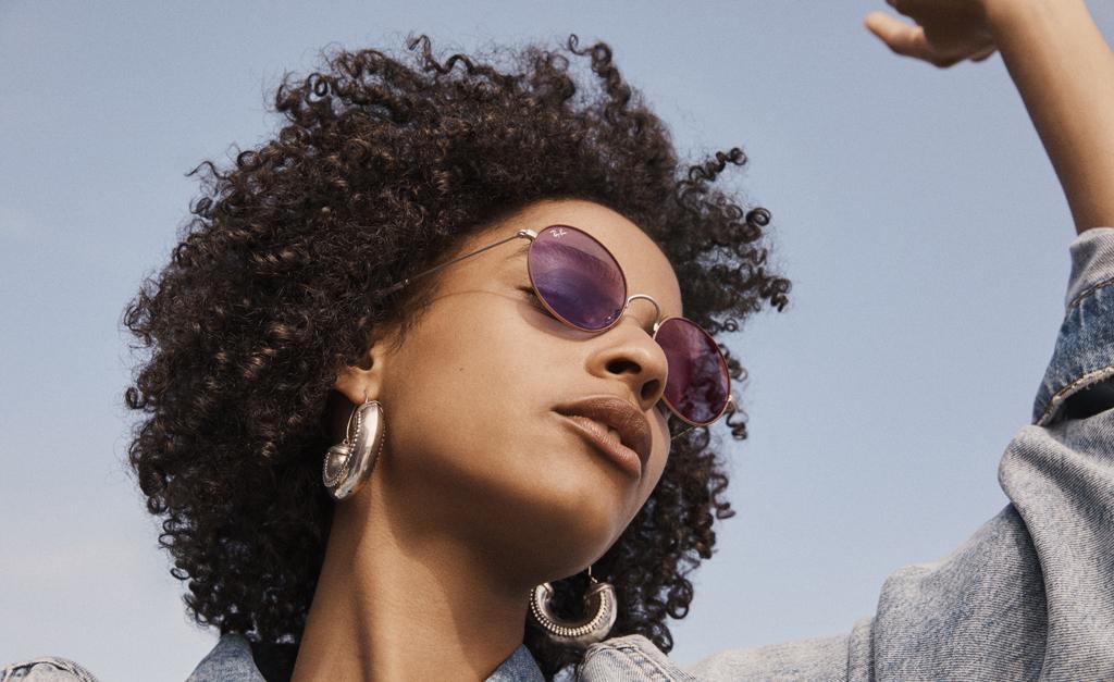 df2a327c9074f Sunglass Hut leva novidades e tendências de óculos de sol para a festa da  Revista J.P    Créditos  Divulgação