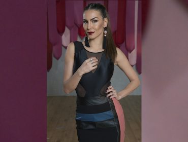 """No ar em """"Troca de Estilos"""", Mel Fronckowiak confessa que dá pitaco nas roupas do marido Rodrigo Santoro"""