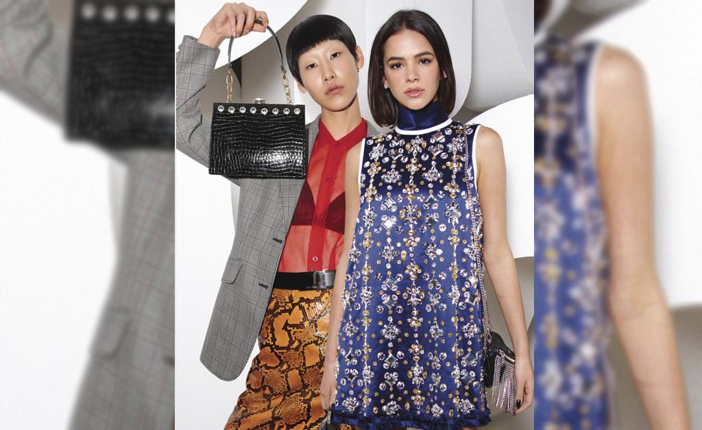 927625e1c Bruna Marquezine ao lado da modelo coreana J.Moon || Créditos: Reprodução  Instagram