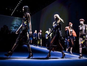 Versace escolhe Nova York para desfilar pela primeira vez sua coleção de Pre-Fall