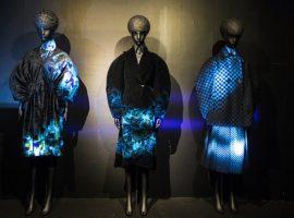 """Japan House apresenta universo da moda do futuro com a mostra """"A Light Un Light"""""""