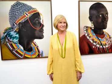 """Corinna Sagesser e Henrique Lanfranchi recebem para abertura da exposição """"Mulheres do Quênia"""""""