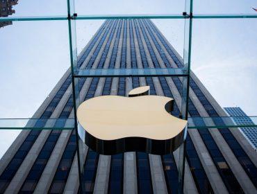 Apple tem mais de R$ 890 bi sobrando em seu caixa e simplesmente não sabe o que fazer com tanto dinheiro