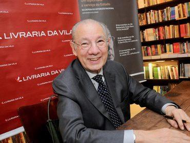 Rubens Barbosa recebe para noite de autógrafos de seu novo livro