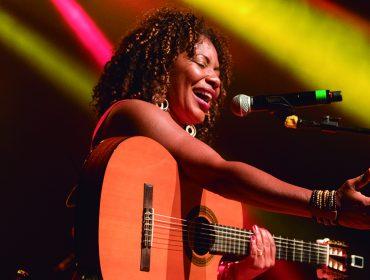 Depois de ano difícil, Margareth Menezes apresenta nova música, estreia na folia paulistana e promete foco na carreira internacional